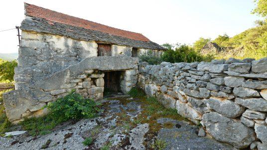 Old abandoned farmhouse Dalmatia