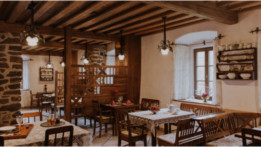 Pri Lipi is a typical carintian guest house in Slovenia