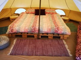 bed ECO River Camp