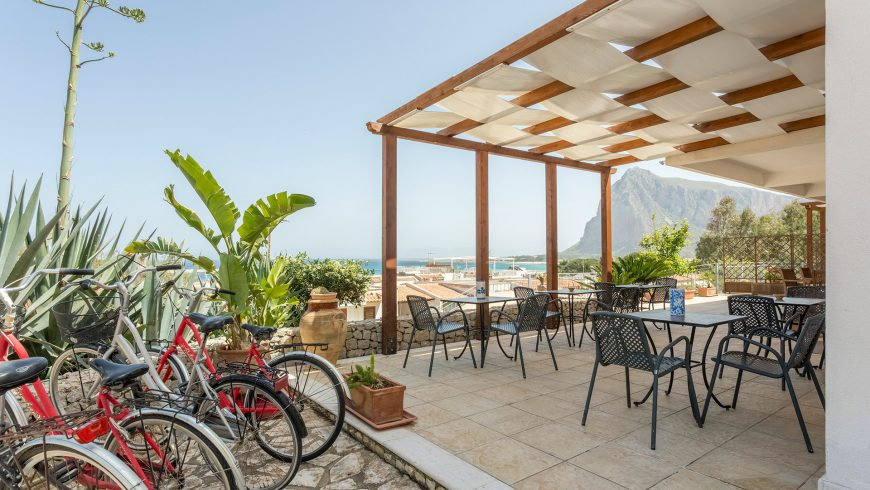 Eco-friendly seaside hotel in Italy