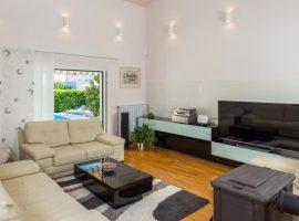 living room Villa Logan