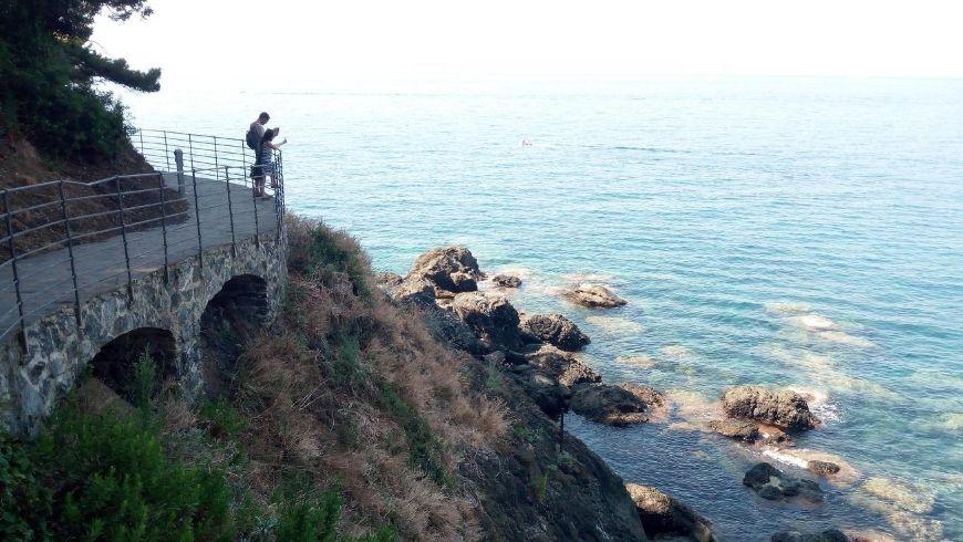 "walk along ""La Via del Mare"" in Framura, Italy"