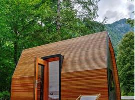 Smaller wooden house for glamping in Kamp Koren