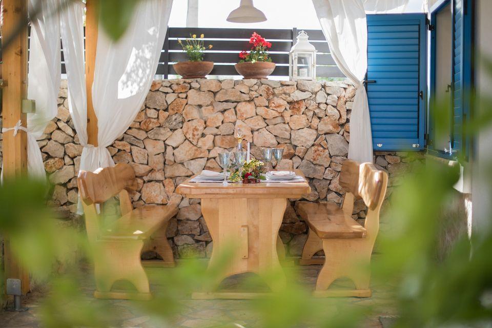 Kalpić B&B near Krka National Park: dining table