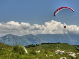 Paragliding while glamping in Slovenia