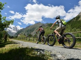 Cogne by e-bike