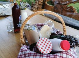 Welcome basket offered by Divjake Log Home