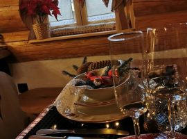 Elegant set table in Divjake Log Home