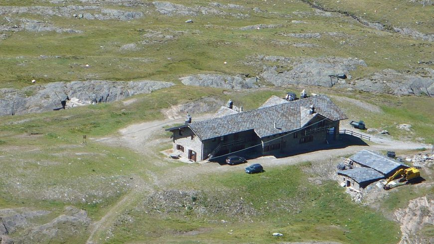One night in a mountain refuge