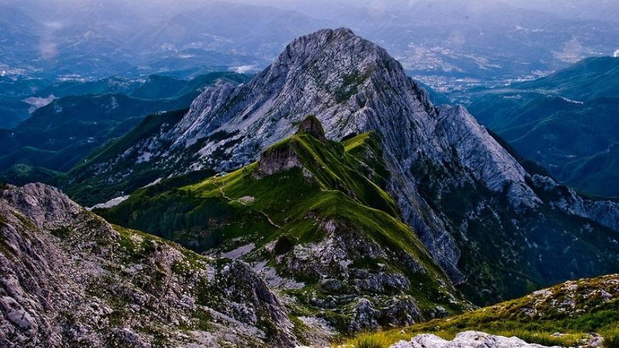 green versilia mountains