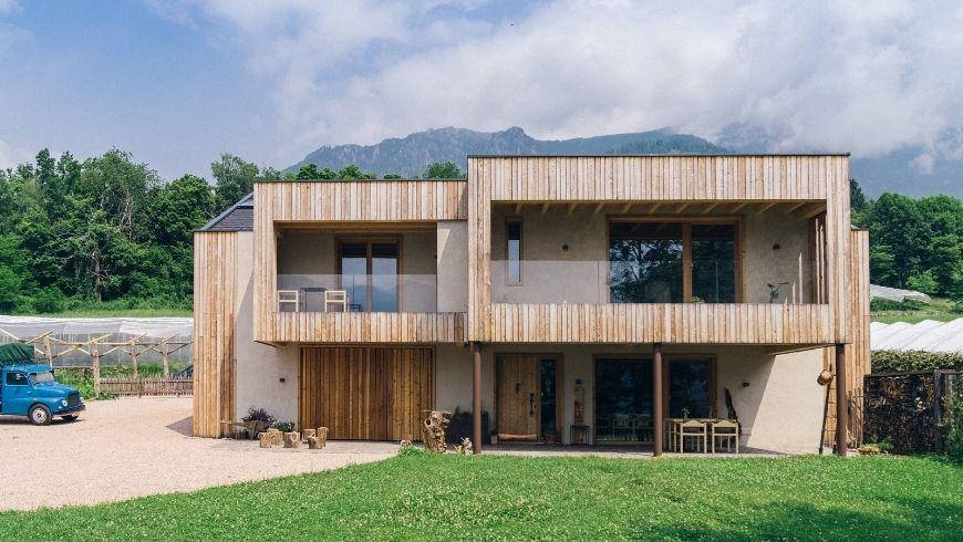 BLUM farmhouse: the building