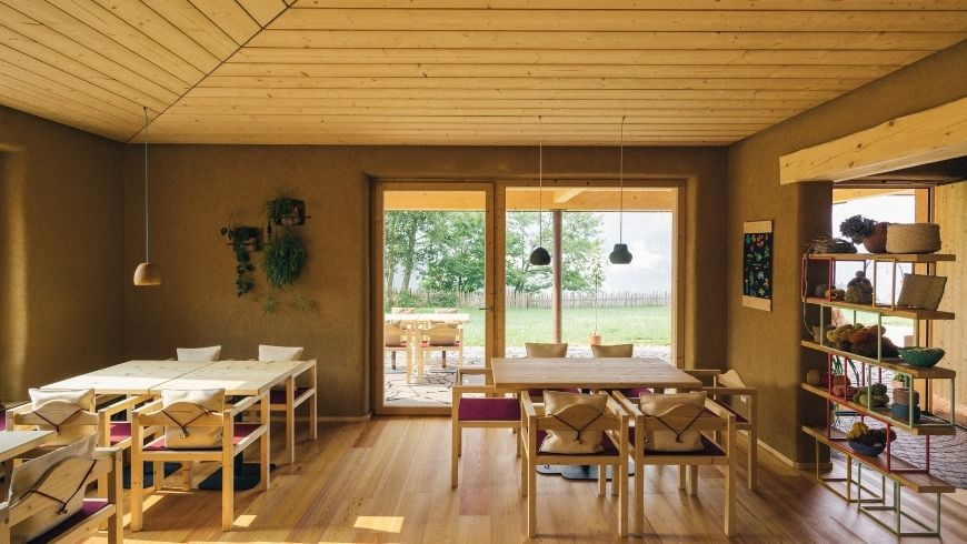 BLUM farmhouse: sustainable decor